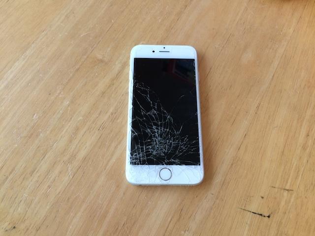 iphone6・ソニーPSVITA修理 【サポートモバイル吹田】