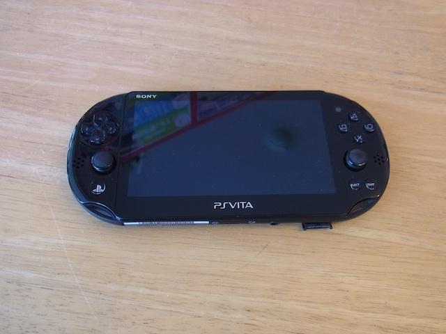 PSVITA2000/Wii Uのgamepad/ipod classic修理 難波のお客様