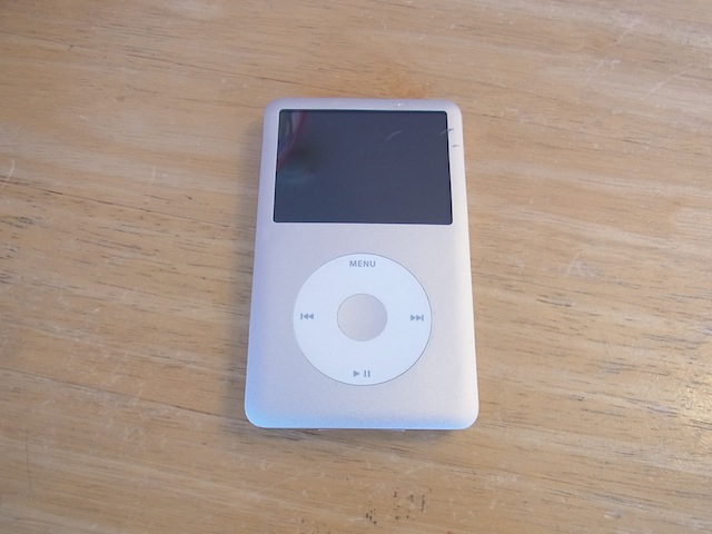 ipod classic/iphone6s/Wii Uのgamepad修理 吹田のお客様