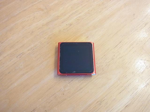 吹田のお客様 iPod nano6電源ボタン故障修理の受付