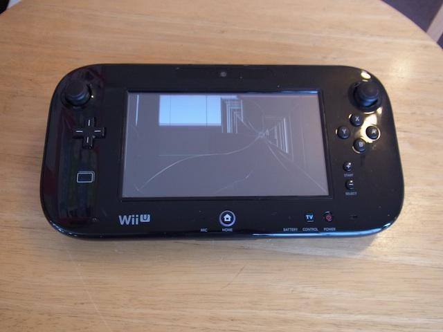 豊中のお客様 WiiUゲームパッド/iPhone液晶修理