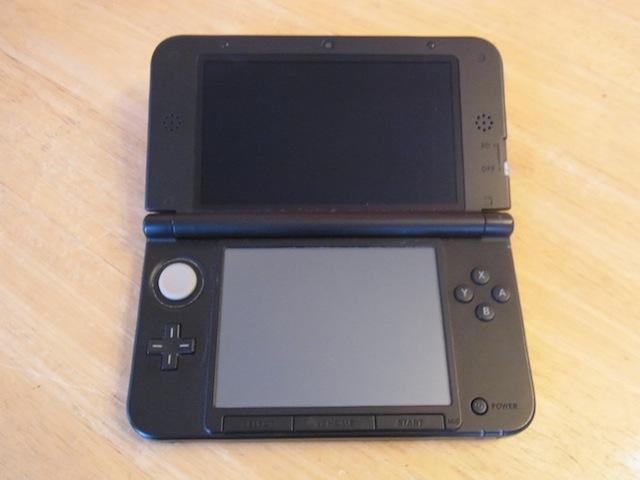 豊中市から持ち込み修理 任天堂3DS充電故障修理