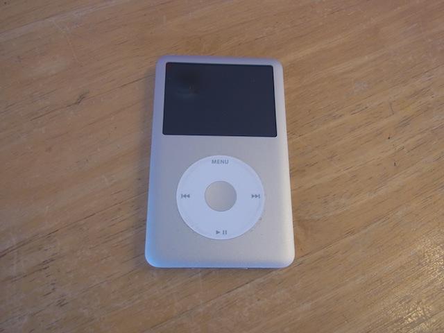 吹田市のお客様 iPod classic/iPhoneバッテリー交換