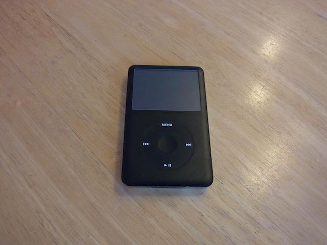 江坂からご来店 iPod classic/任天堂3DS来店修理