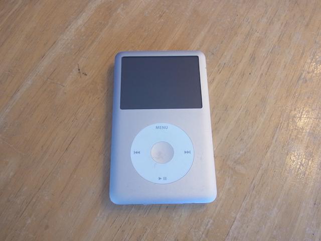 iPod classic音楽データ取り出し 茨木からご来店