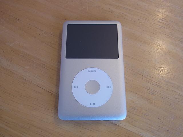 iPod classic音楽データ取り出し 吹田の修理店